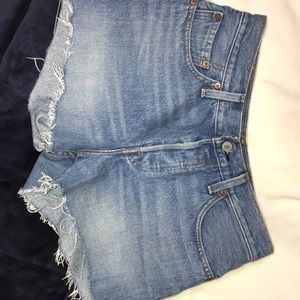 Levi's size 27 women's 501 button fly shorts